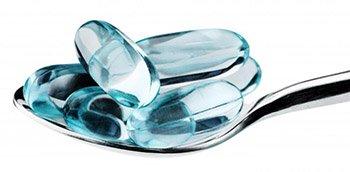 gelatin-capsules-on-spoon